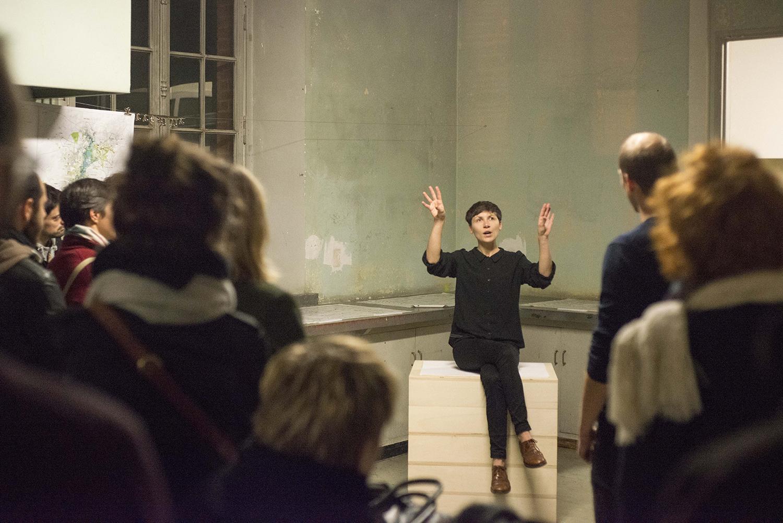 Rendre compte, Performance de Camille Bondon © Adrien Concq